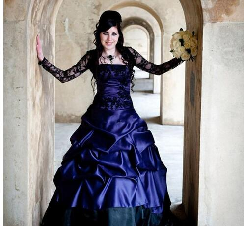 Victorian Gothic Plus Size Long Sleeve Wedding