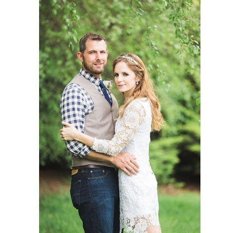 Elegant Full Lace Short Wedding Dresses With Long Sleeves Knee